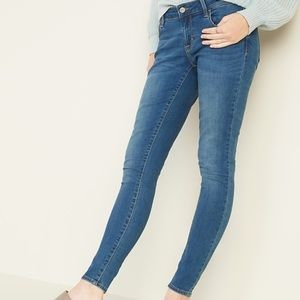 OLD NAVY ROCKSTAR low rise skinny jeans size 4